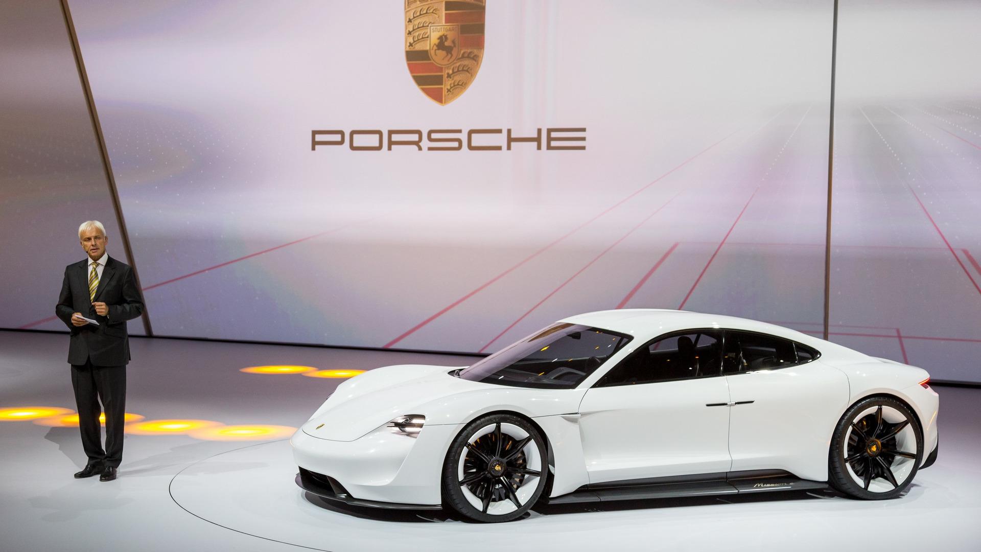 2015-porsche-mission-e-concept