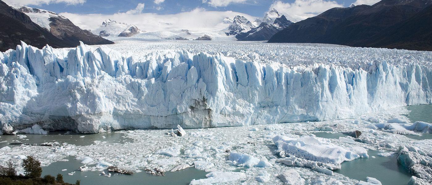 Perito_Moreno_Glacier_Patagonia_Argentina_Luca_Galuzzi_2005-1-1400x600