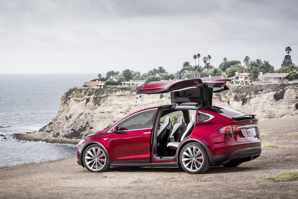 Tesla-Model-X-red-doors-open