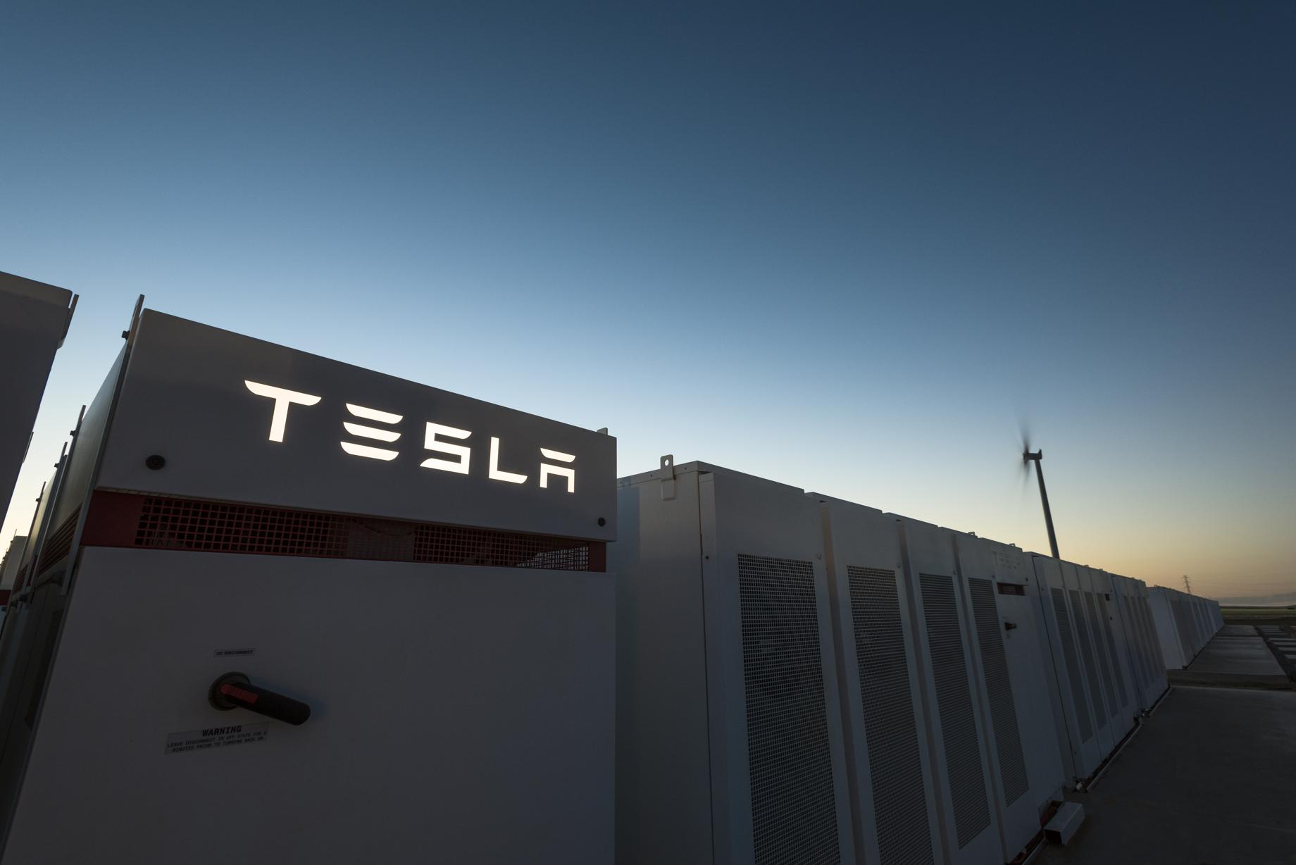 Tesla-South-Australia-Powerpack-2