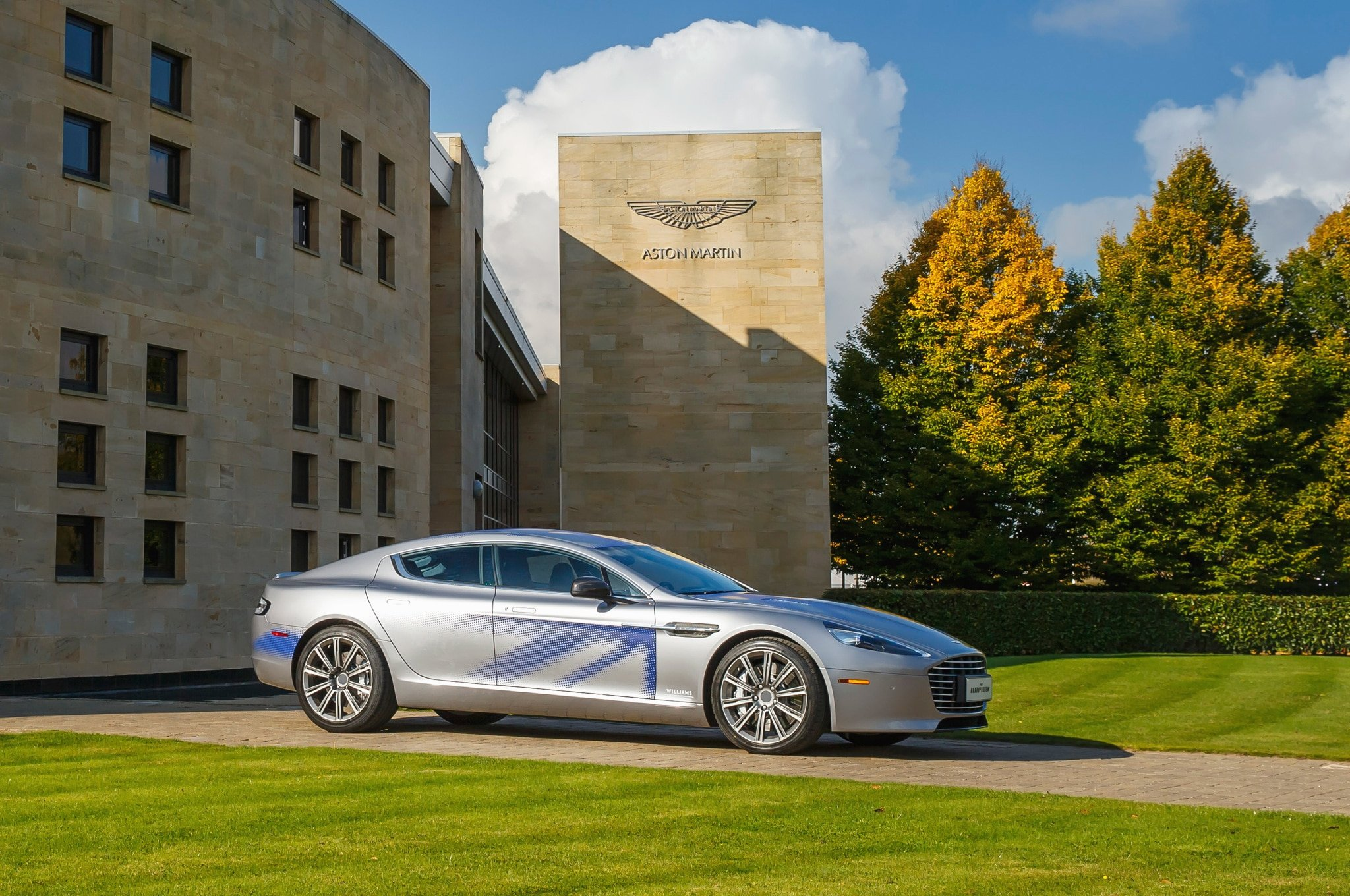 All Electric Aston Martin RapidE Slated for 2018 Photos 2048x1360