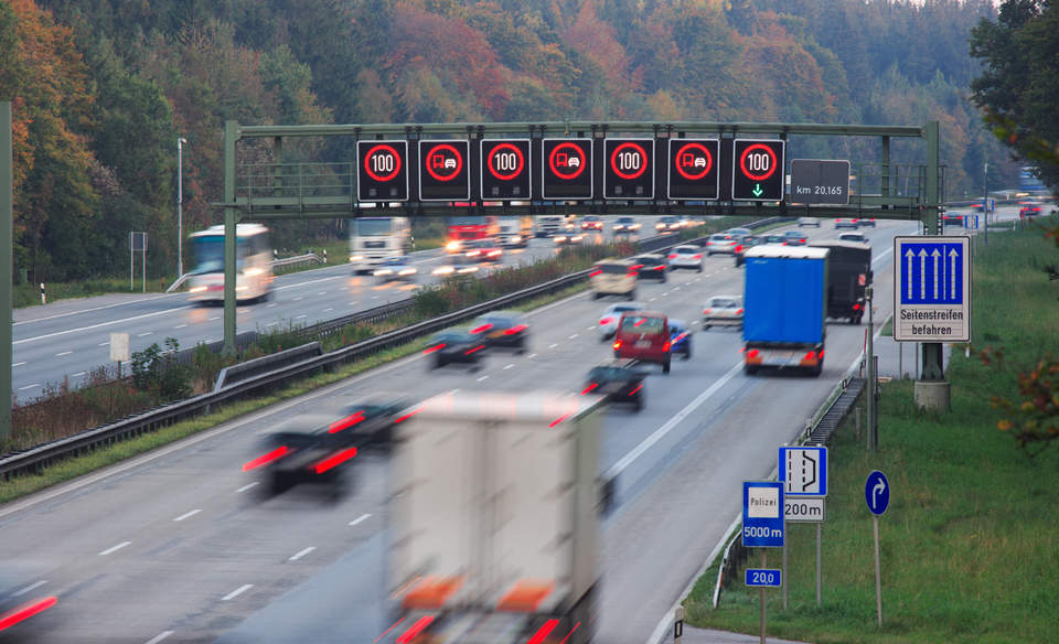 autobahn_manfred_steinbach_sstock_2_0