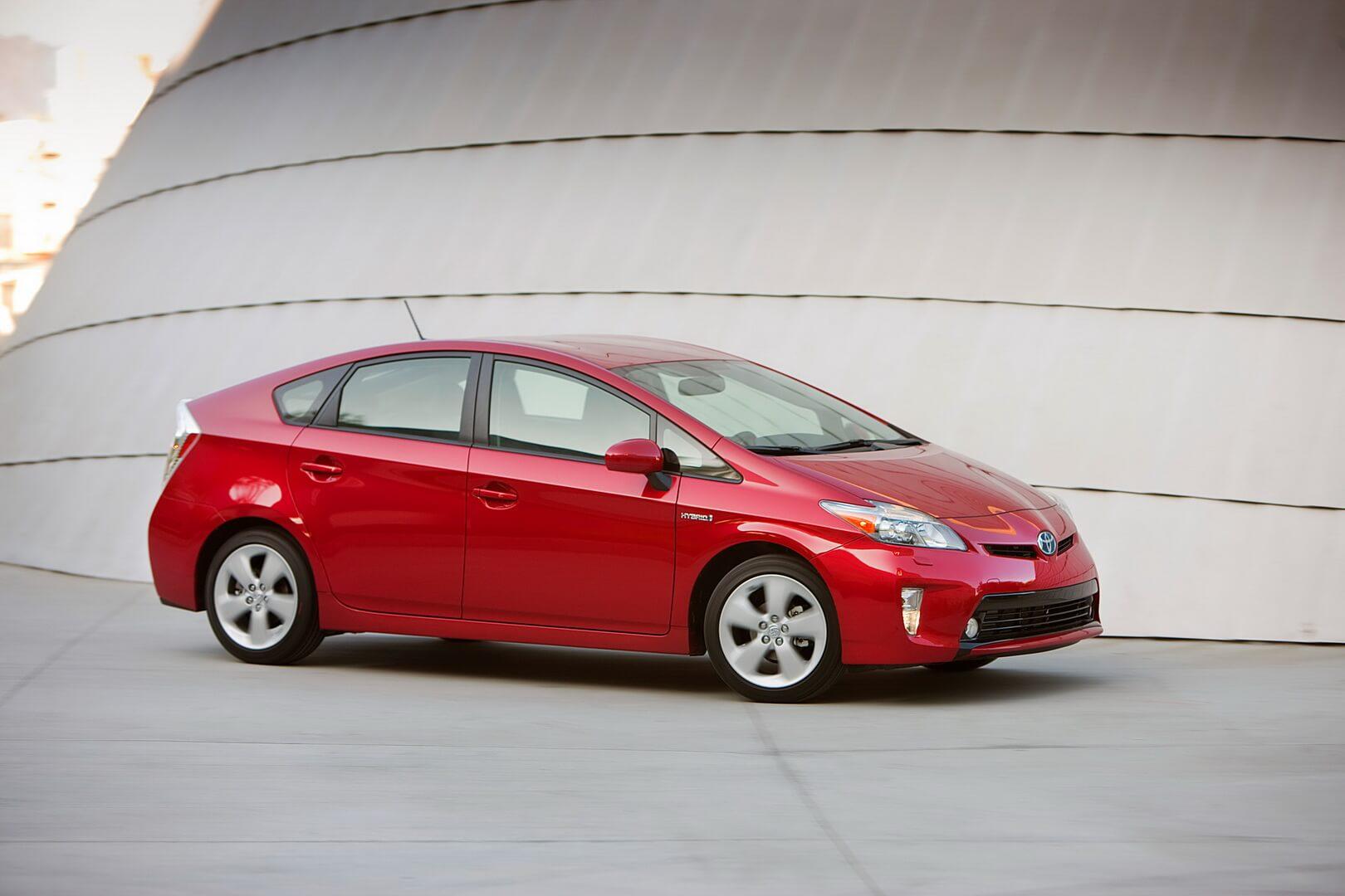toyota-prius-hybrid-2012-2015-exterior-hevcars-ap