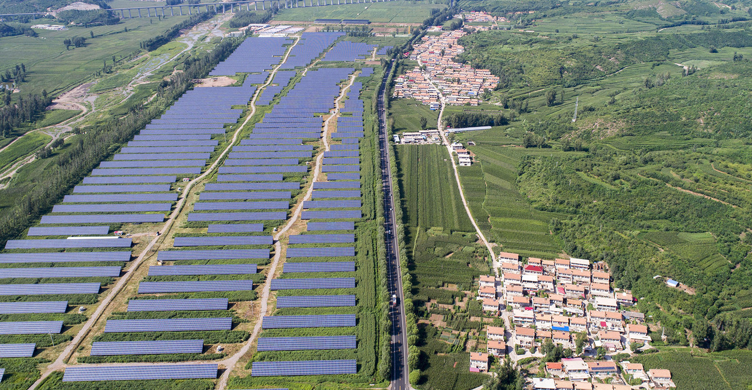Chengde, China. 22nd Aug, 2017.  Aerial photography of solar power plant station in Chengde, north China's Hebei Province. Credit: SIPA Asia/ZUMA Wire/Alamy Live News