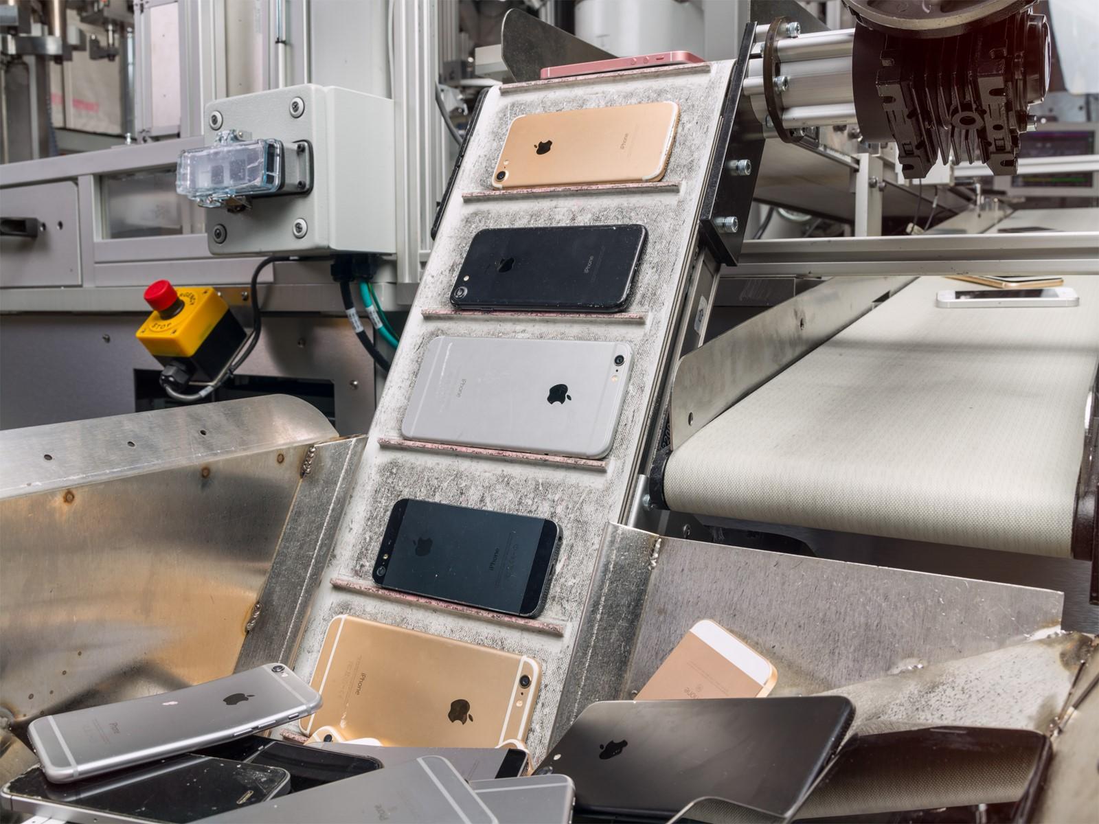 apple-ima-drugu-generaciju-robota-za-recikliranje-iphonea_ycDNPY