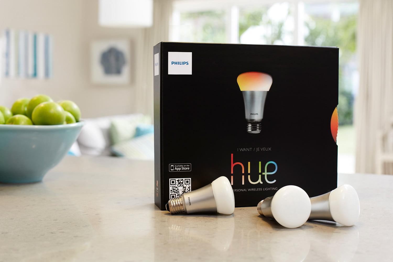 hue-product-with-apples-3-bulbs-1500x1000