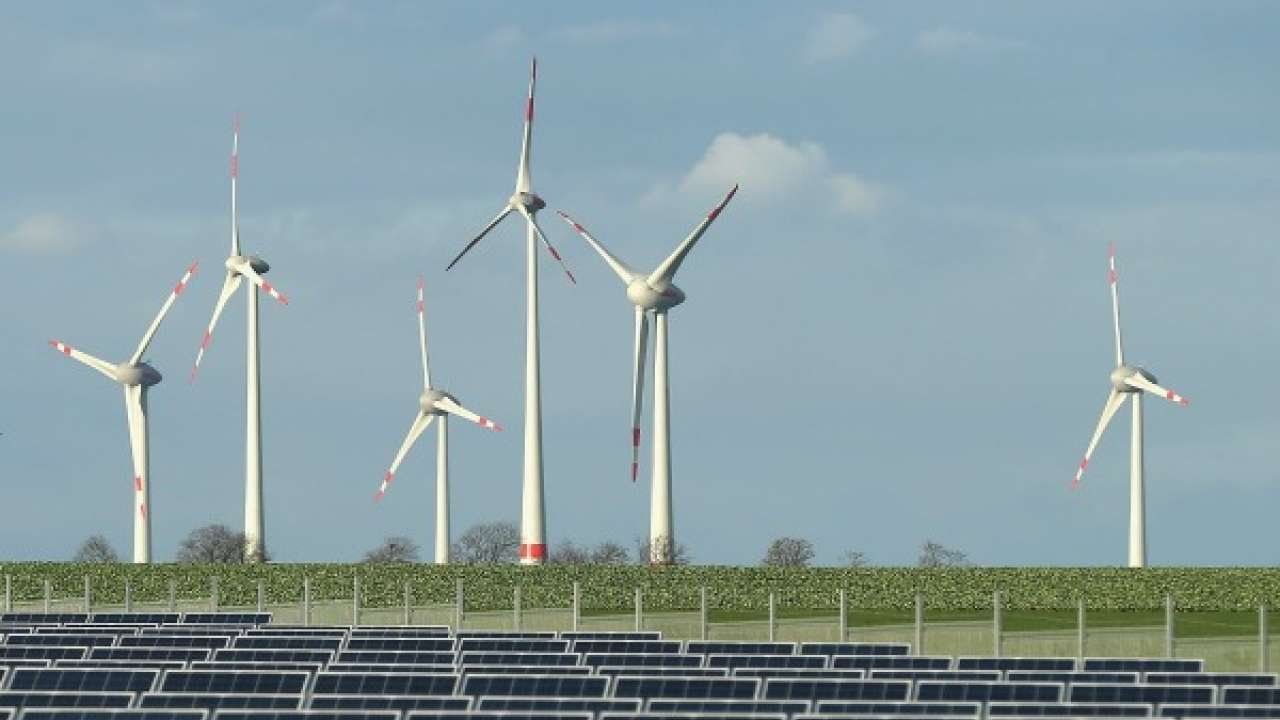 699452-378044-renewable-energy-getty