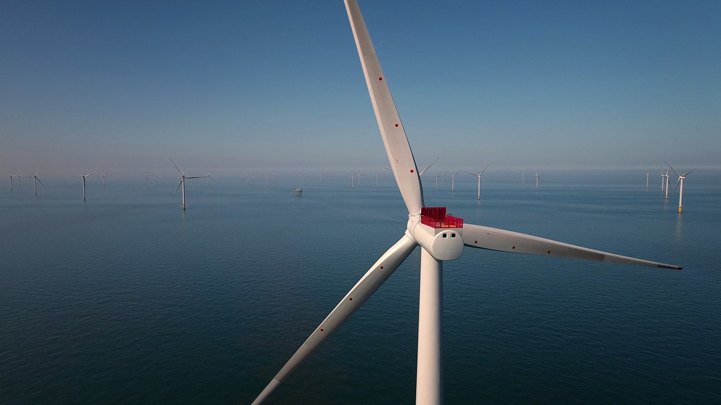 Race-Bank-Offshore-Wind-Farm-Siemens-Orsted-3
