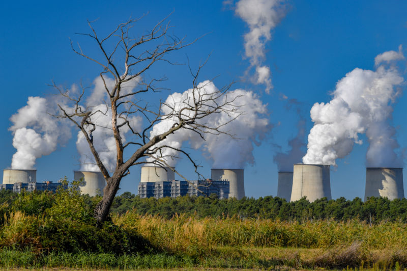 Jänschwalde lignite-fired power plant sends a unit for Safety