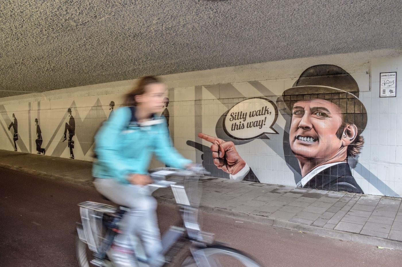 Netherlands_Eindhoven_SillyWalks_1400_930_80