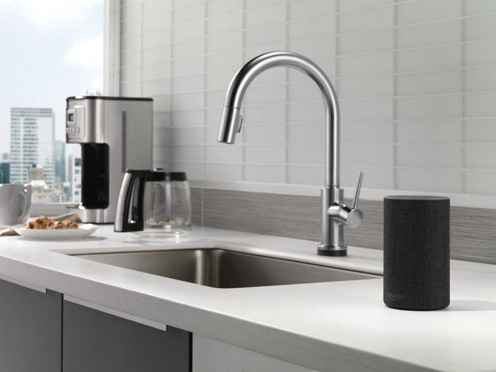 smart-kitchen-faucet-1024x768