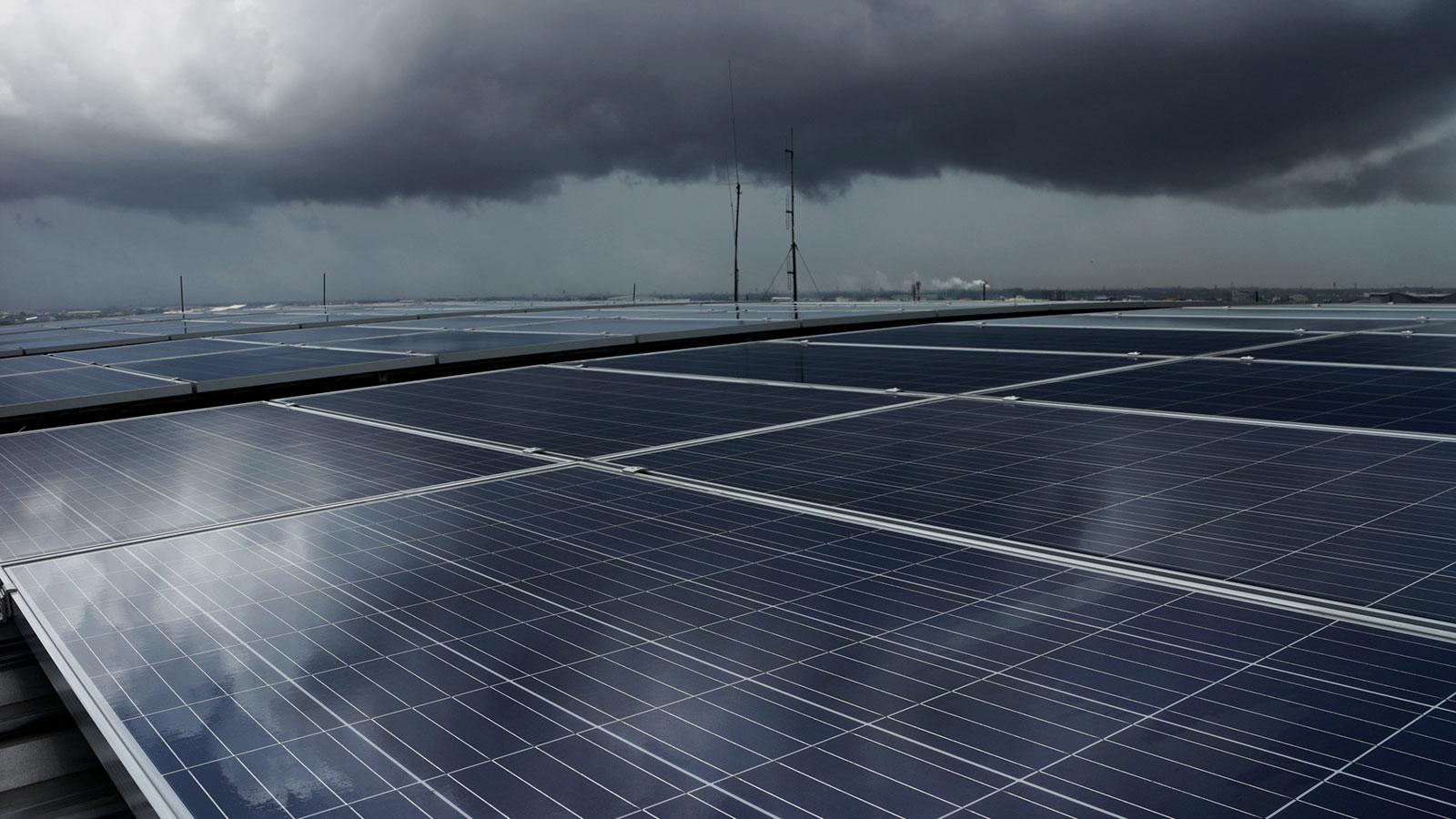 solar-panels-storm