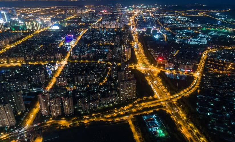 How-IoT-Will-Play-an-Important-Role-in-Traffic-Management-for-Smart-Cities-825x500
