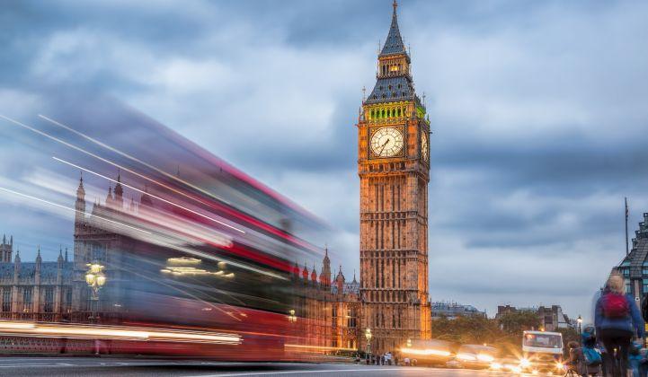 London_Traffic_Lights_Big_Ben_EV_XL_721_420_80_s_c1