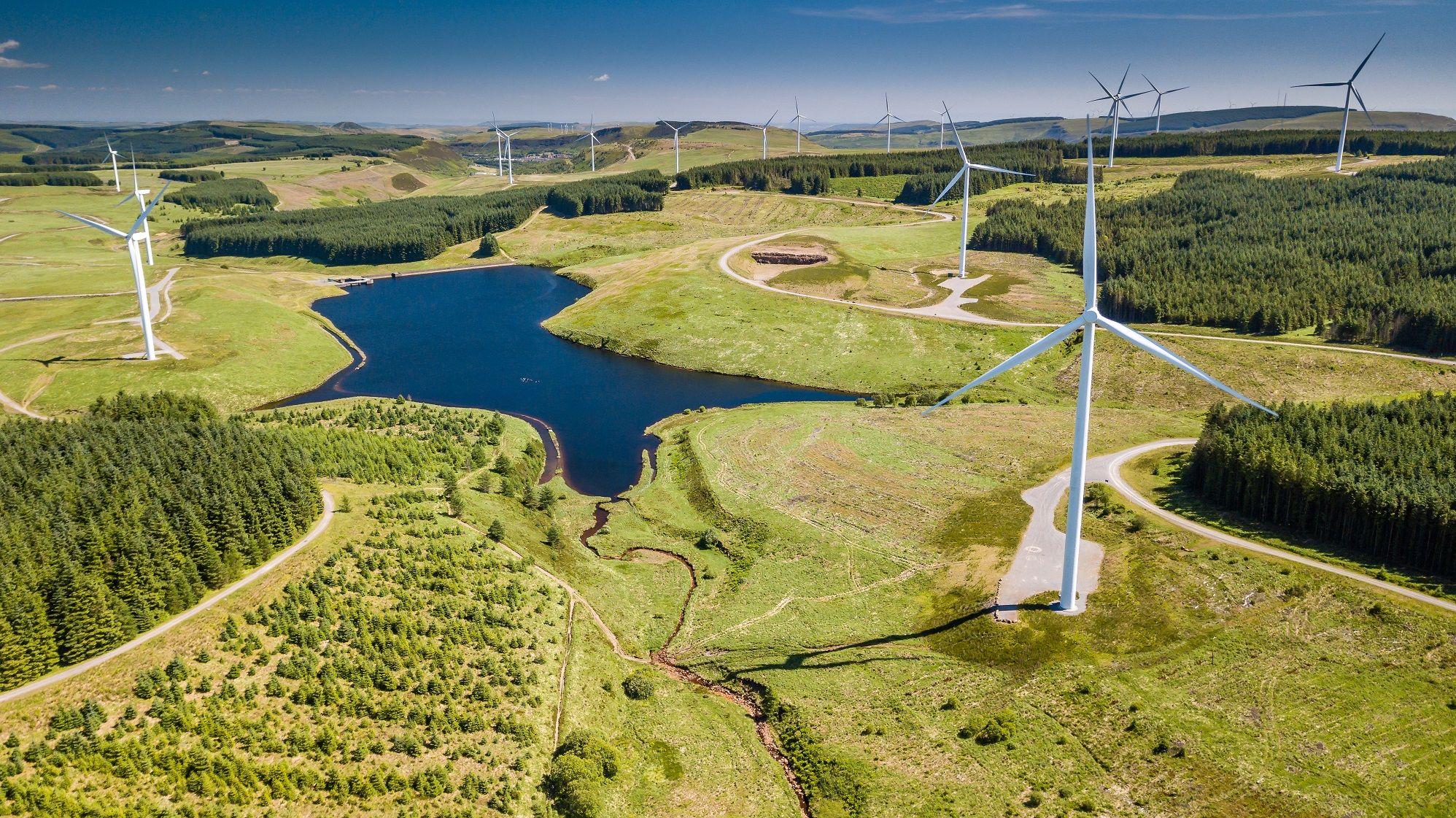 Pen_y_Cymoedd_Wales_UK_Wind_Farm_Turbines_XL_1996_1121_80_c1
