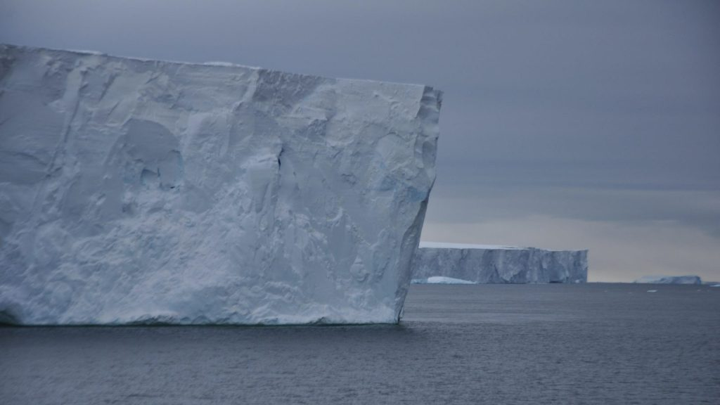 antarctic-ice-shelf-e1571788809105