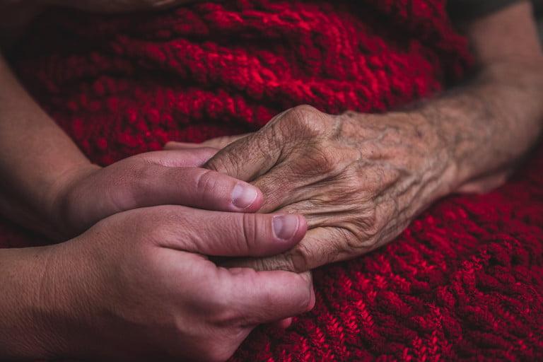 elderly-parkinsons-patient-768x768
